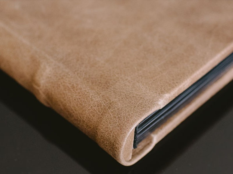 signature leather cover with round spine