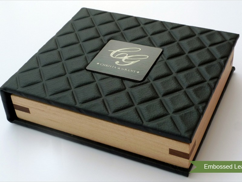 USB Case : Embossed Leather with Metal Nameplate